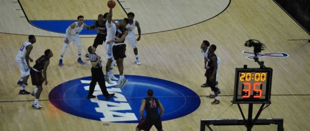 Duke and Robert Morris tip off at the 2nd round of the NCAA tournament in Charlotte.